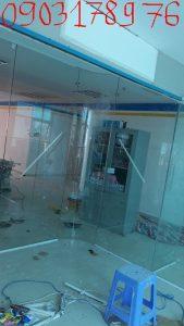 Vách kính cường lực văn phòng tp hcm – Thi công vách kính cường lực văn phòng